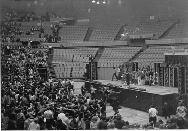 Doors_pittsburgh_civic_arena_1970_3